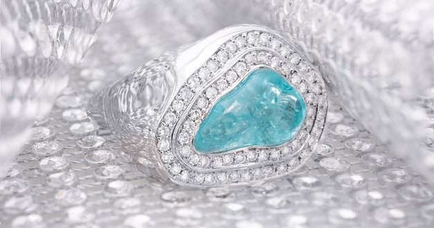 PARAIBA TOURMALINE REVEALS ITS SPENDOR