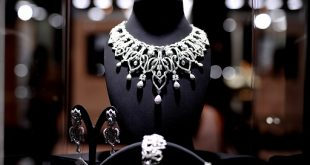 Diamonds are everyone's best friend! VOD Dubai International Jewellery S...